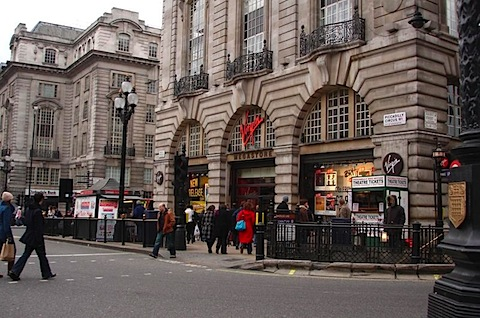 Virgin_Megastore_-_Piccadilly_Circus.JPG